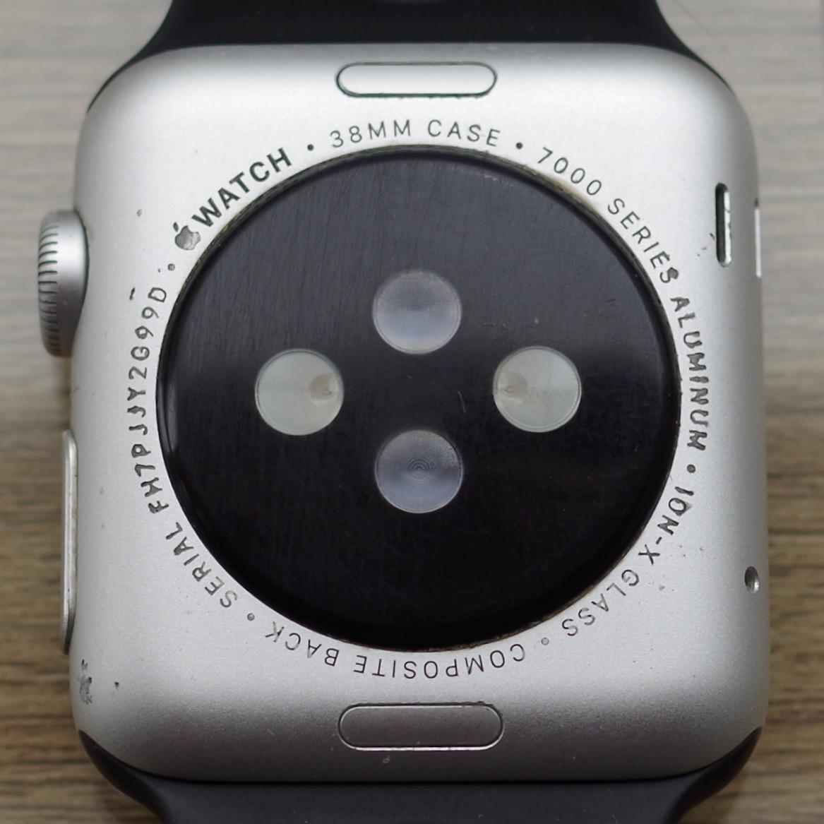 how to check battery on apple watch 2